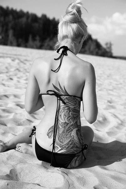 sexy back tattoo bikini