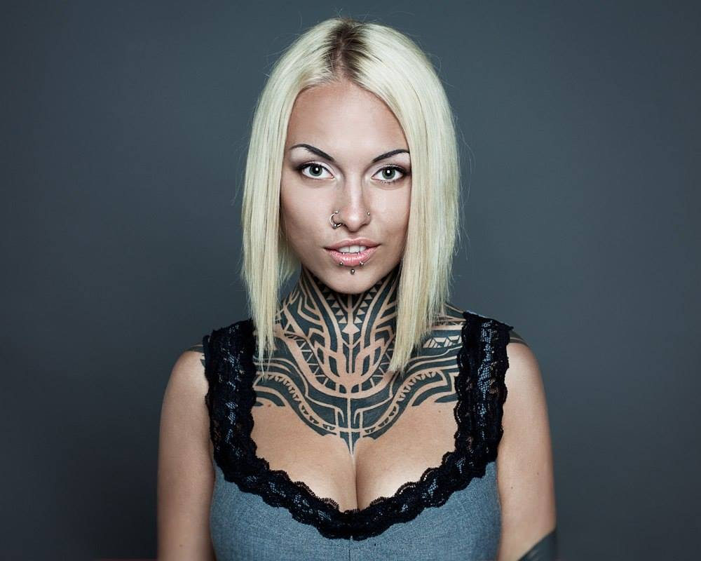teya salat neck tattoo