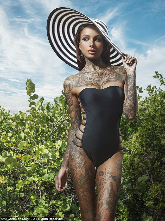 tattoo model with hat elegant