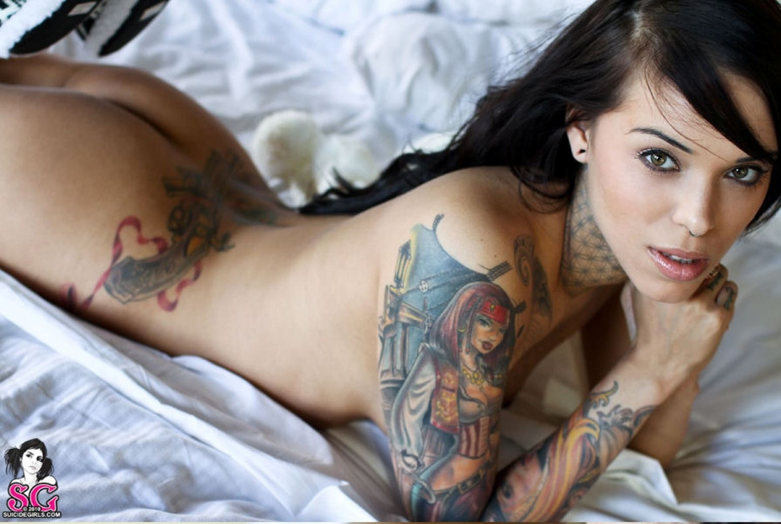 Gorgeous Tattoo Pin Up Girl