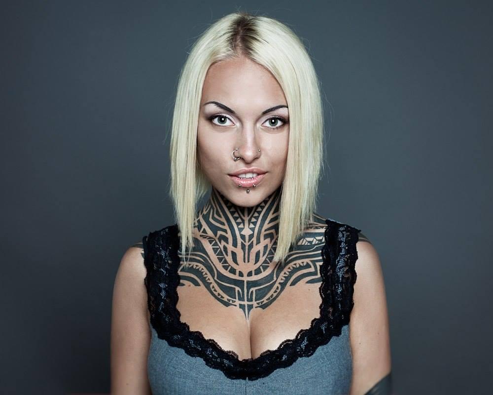 teya salat neck tattoo